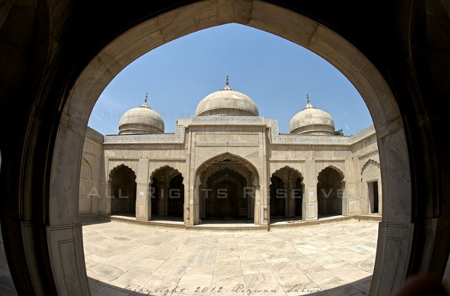 Moti Masjud, Lahore Fort