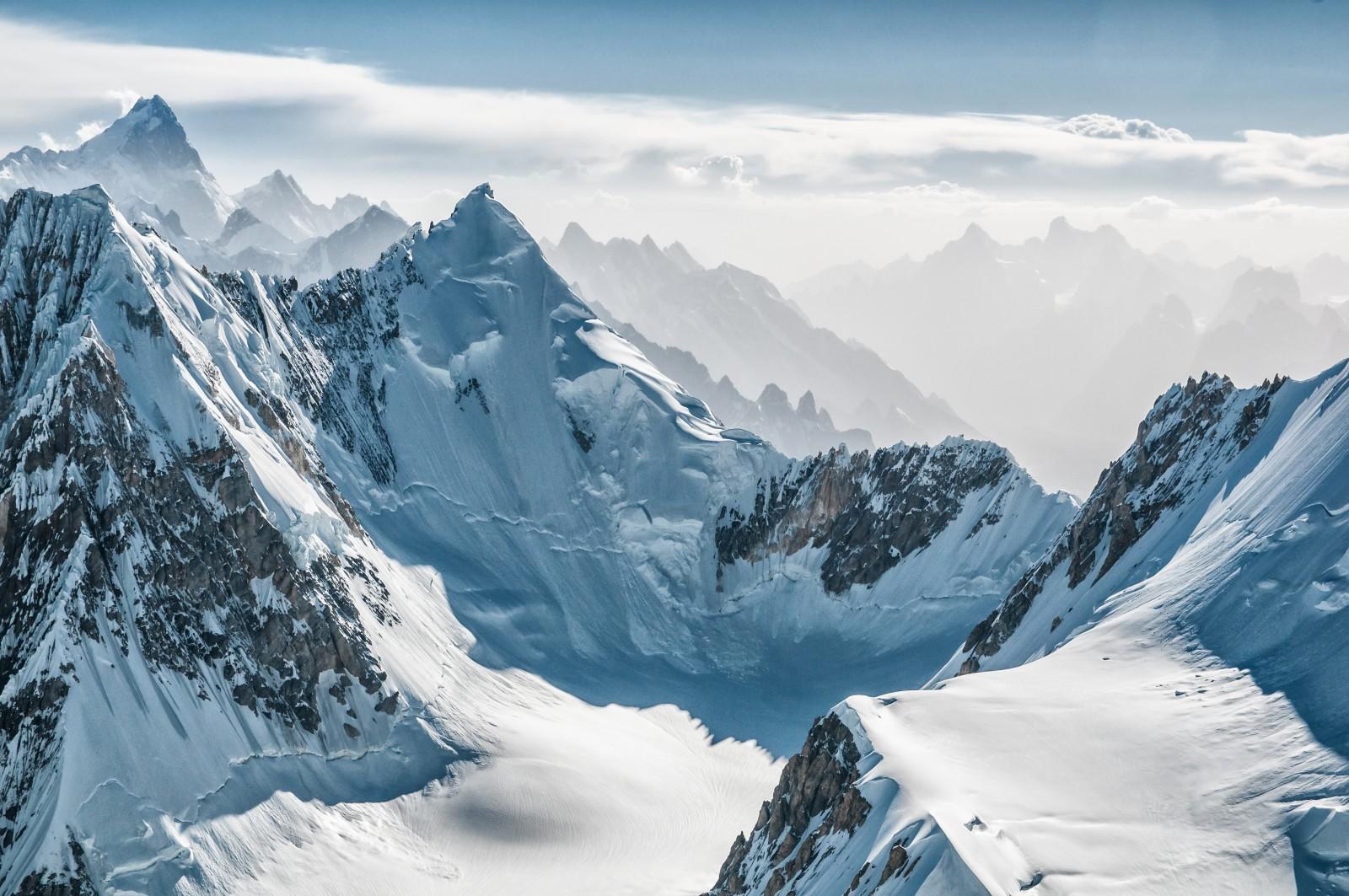 Khunyang Chhish peak