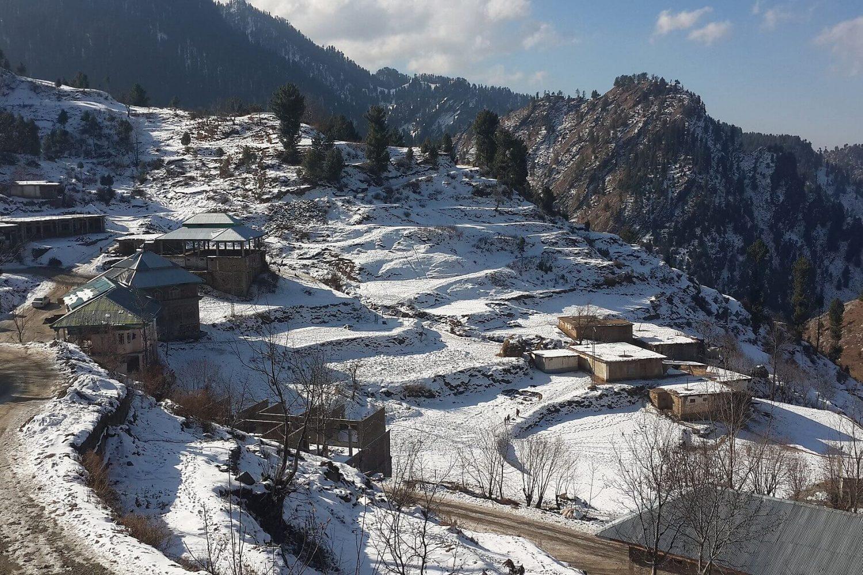 Malam_Jabba_Village,_Swat HQraja
